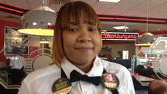 Indianapolis waitress gets $446 tip
