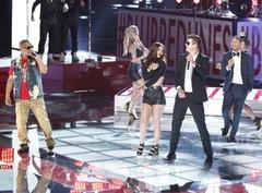 Video: Robin Thicke Performs on 'The Voice' With Pharrell Williams and T.I.